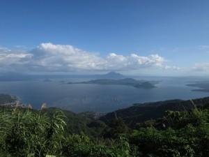 Pogled na jezero Taal in Vulkanski otok s Tagaytaya